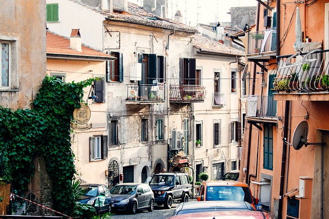 Free Photos: Italy village houses narrow street alley old | Unsplash