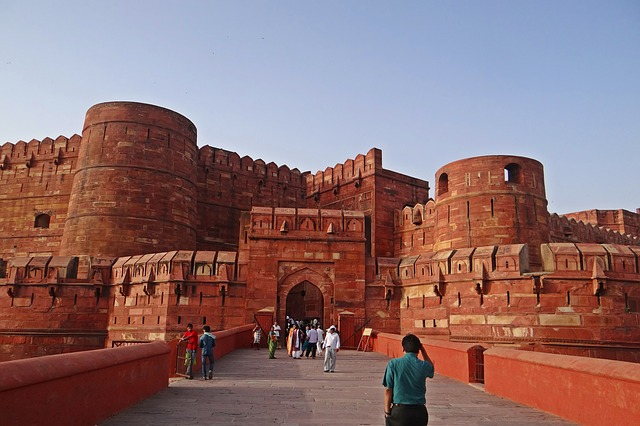 Free agra fort unesco heritage site castle main entrance