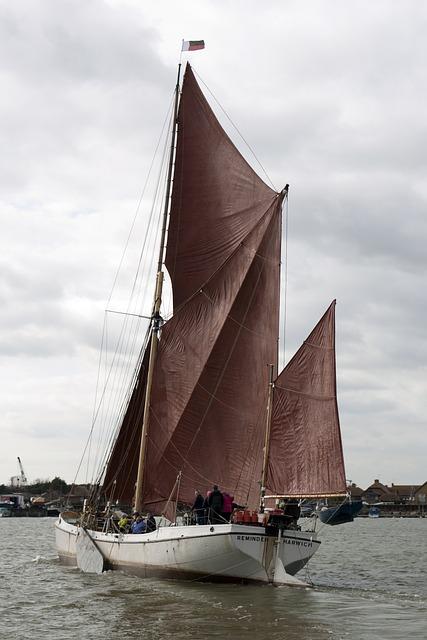 Free sailing sailing boat boat thames coal barge