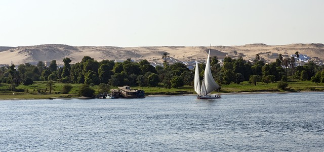 Free river nile egypt sailboat dhow felucca sand dunes