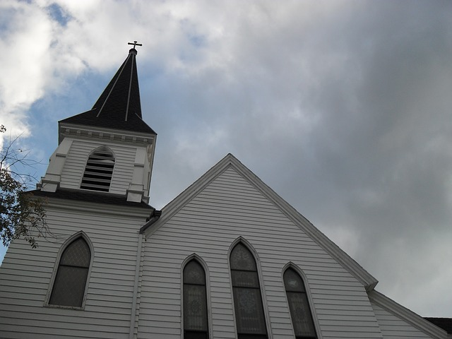 Free church new england white steeple architecture god