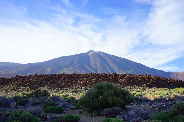 Free lava flow enormous lava basalt teide mountain