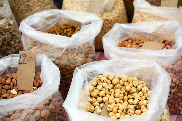 Free nuts hazelnuts almonds market healthy sell mix
