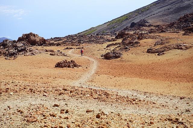 Free wanderin hike away path trace sand desert