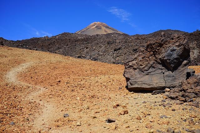 Free bimssteinfeld away path pumice stone lava