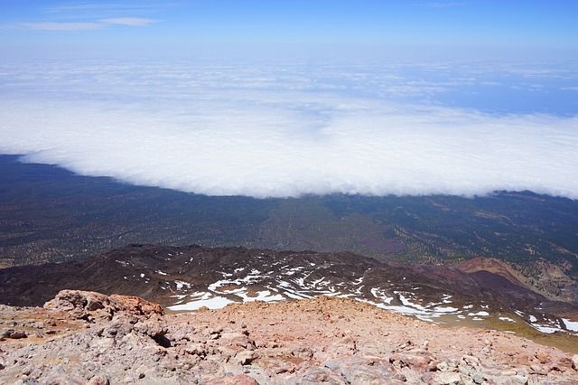 Free teide outlook deep view lowlands fog clouds