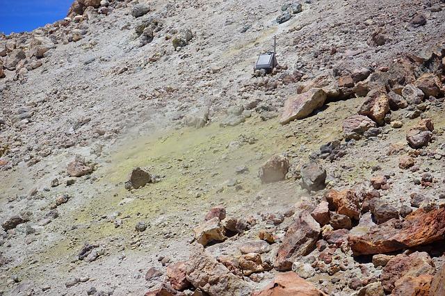 Free teide crater sulfur sulfur vapor measuring station