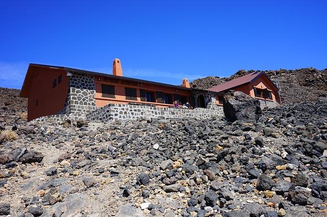 Free hut mountain hut rest house hike accommodation