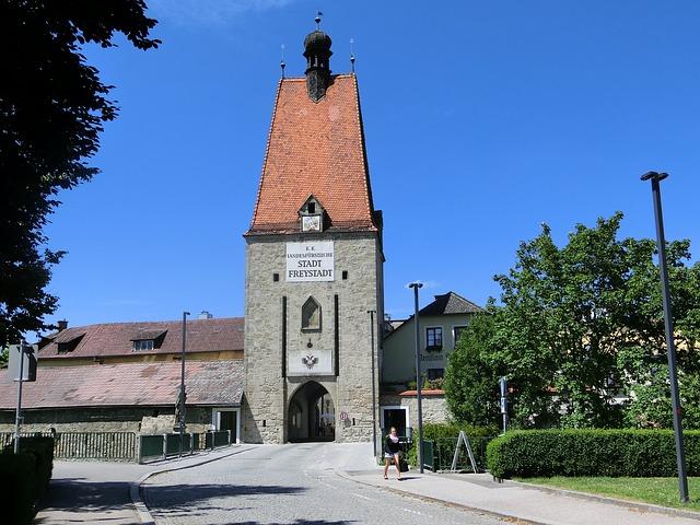 Free linzer tor frey city city gate germany historically