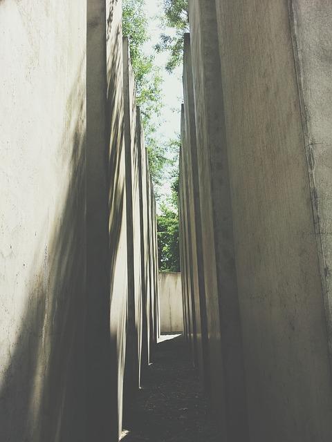 Free berlin jewish museum stones walls