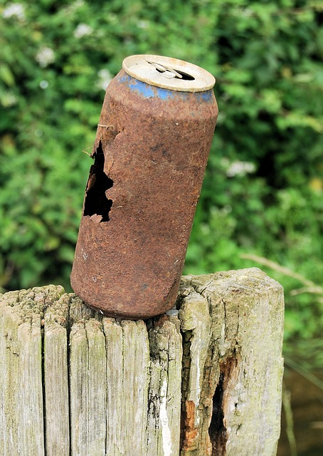 Free can rusty drinks old metal pollution empty