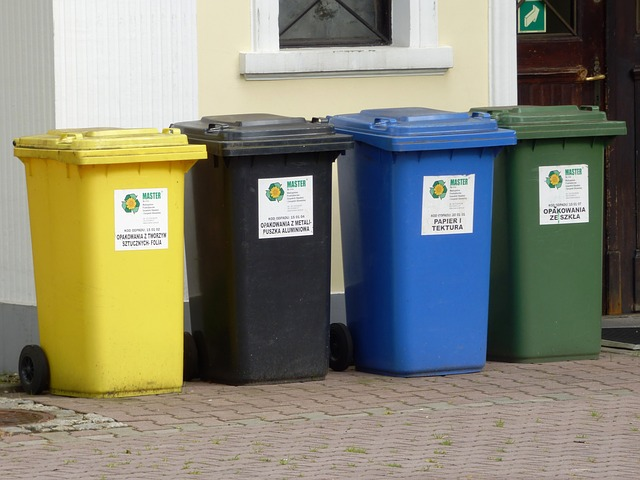 Free containers garbage by participating in ecology