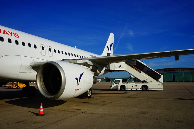 Free aircraft turbine wing gangway passenger stairs