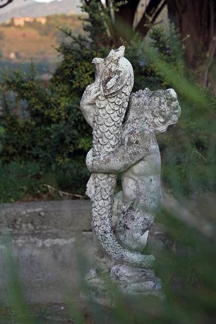 Free figurine nature italy tuscany landscape little boy