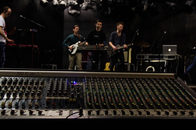 Free occur band mixing console sound sound engineer