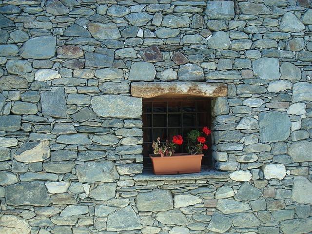 Free gerani stone wall home