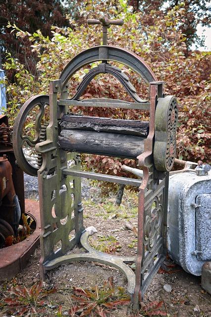 Free vintage washing mangle equipment laundry old