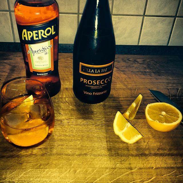 Free bar cocktail orange drink alcoholic drinking glass