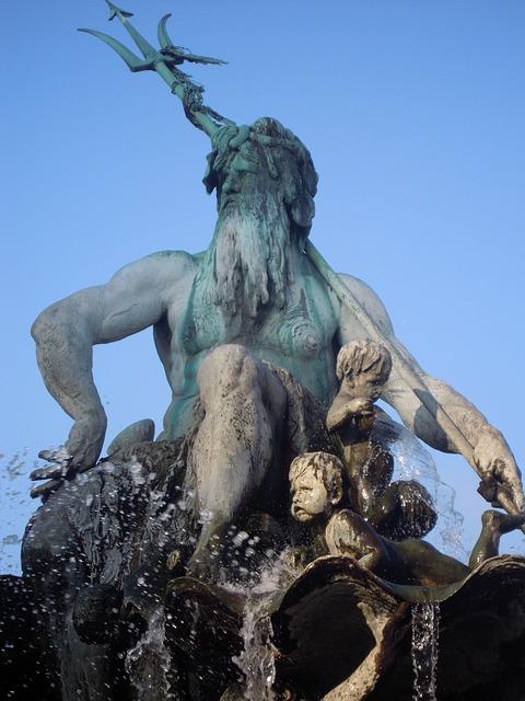 Free berlin city fountain neptun alexanderplatz