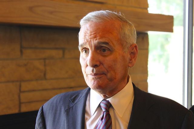 Free governor mark dayton man person politician
