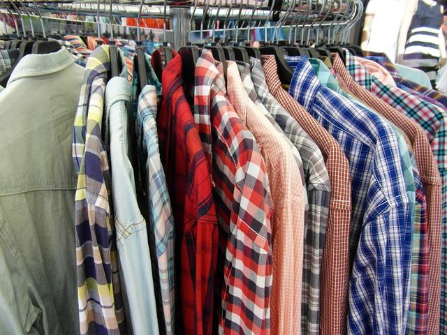 Free shirts clothes stand offer summer sale sale
