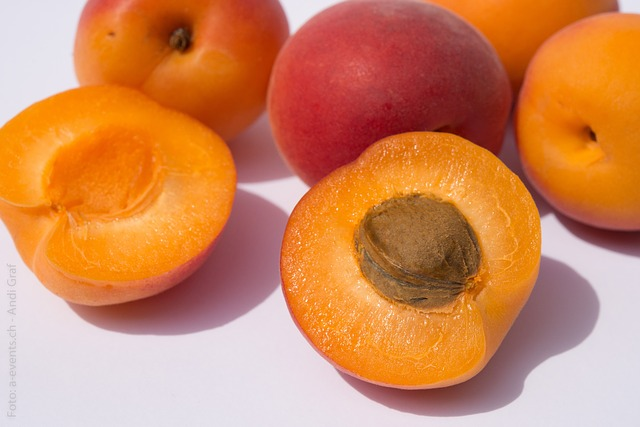 Free Photos: Fruits apricots fruit still life healthy sweet | Andi Graf