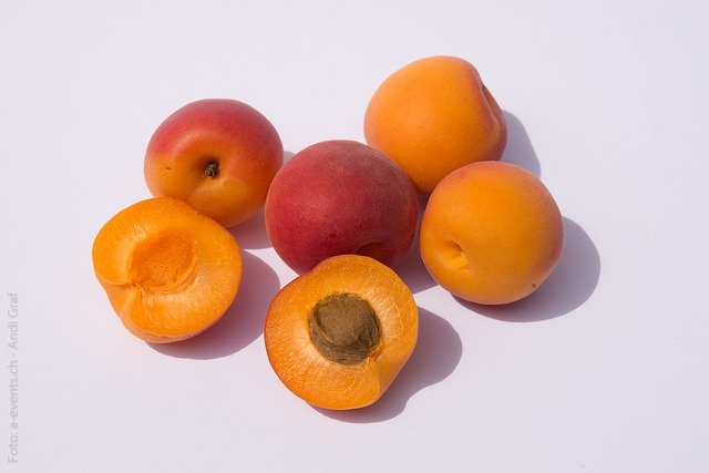 Free fruits apricots fruit still life healthy sweet