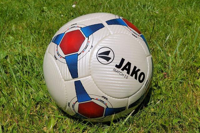 Free ball football about rush training ball
