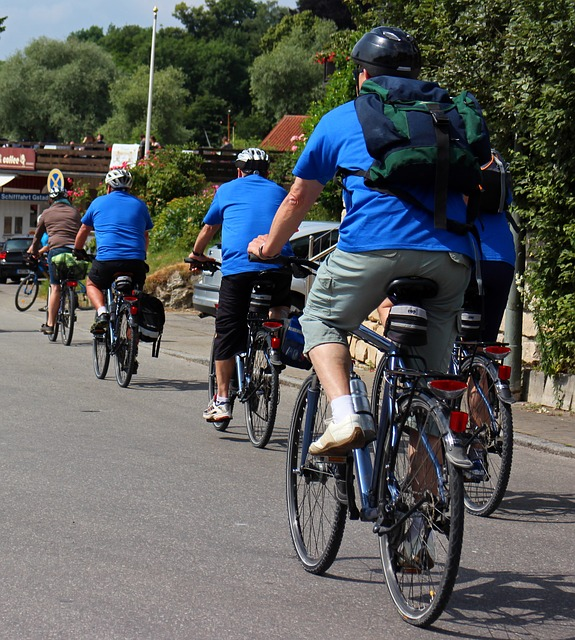 Free leisure recovery holiday cyclists bike cycling