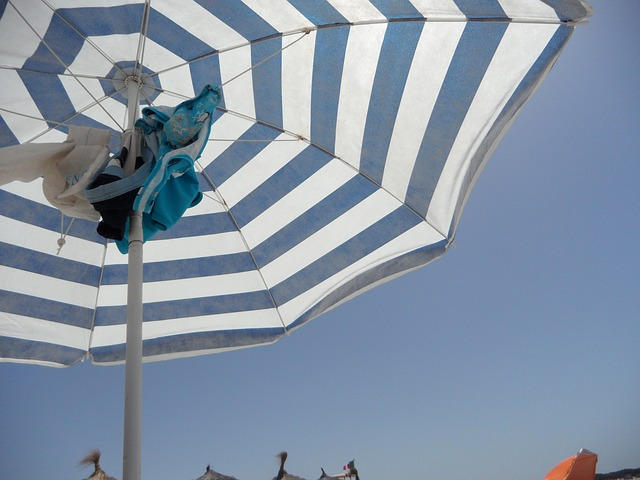 Free screen parasol striped beach sea holiday sand
