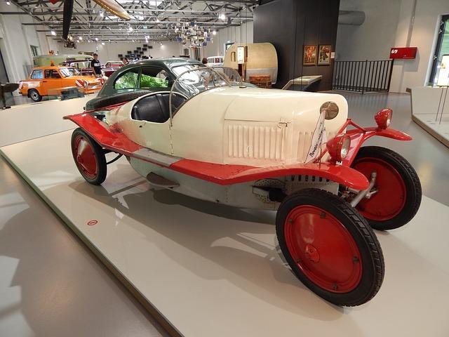 Free historic vehicle auto racing