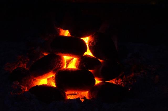 Free carbon charcoal glow burn briquettes