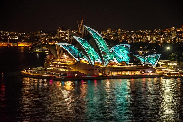 Free sydney opera house sydney australia vivid lightshow