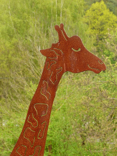Free giraffe animal metal fig sheet metal figure garden
