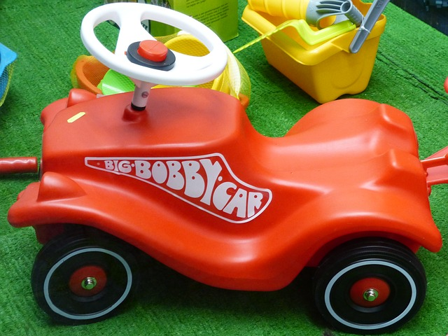 Free bobby car friction car miniature car
