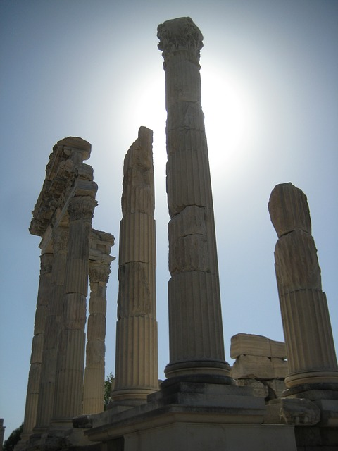 Free pergamon turkey ruins excavations bergama columnar