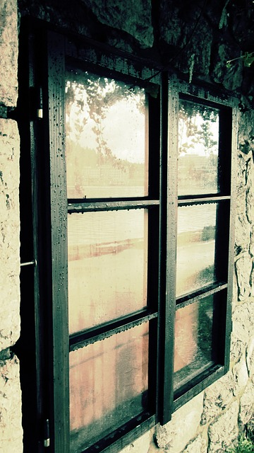 Free window rain wet glass raindrop reflection grunge