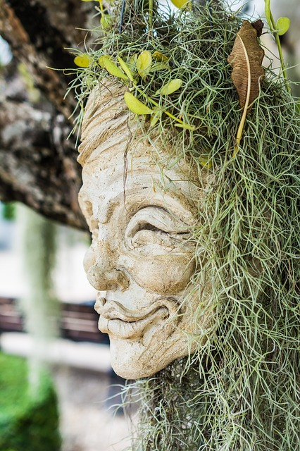 Free face head mask sculpture stone figure