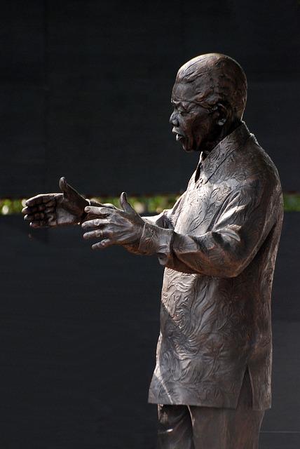 Free nelson mandela statue bronze london memorial