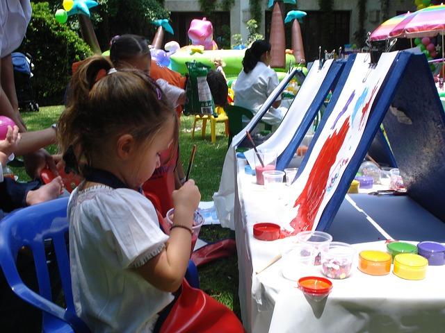 Free easels paint entertain children