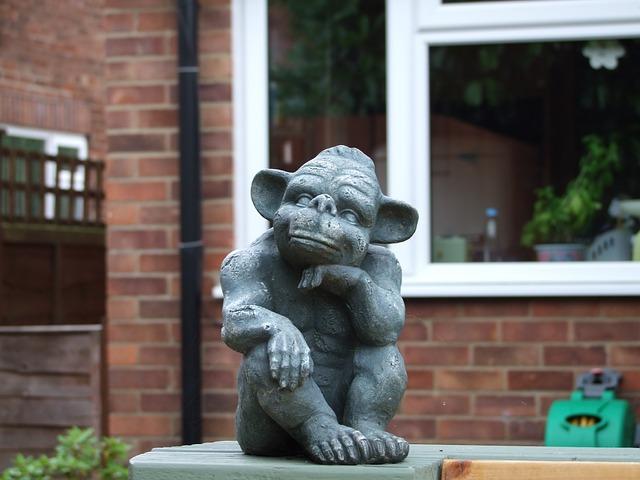 Free goblin statue gnome stone decoration