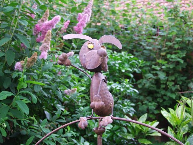 Free garden gnome metal dog decoration garden