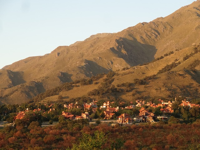 Free houses mountain argentina landscape scenic town
