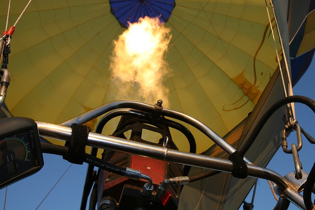Free fire balloon flight ballooning basket flame