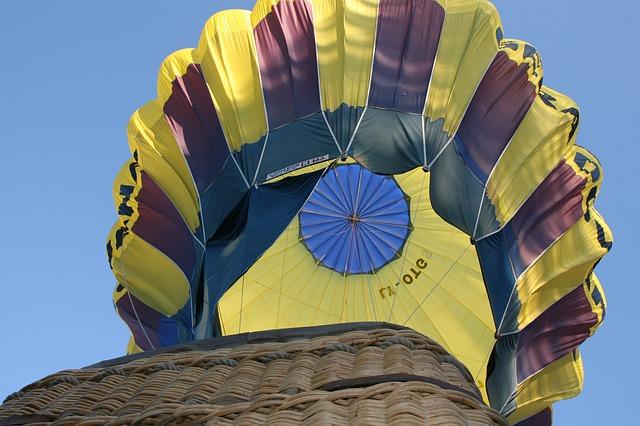 Free balloon basket sky ballooning