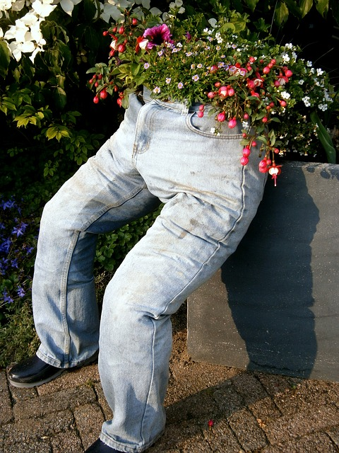 Free pants blue thread