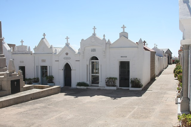 Free cemetery bonifacio corsica