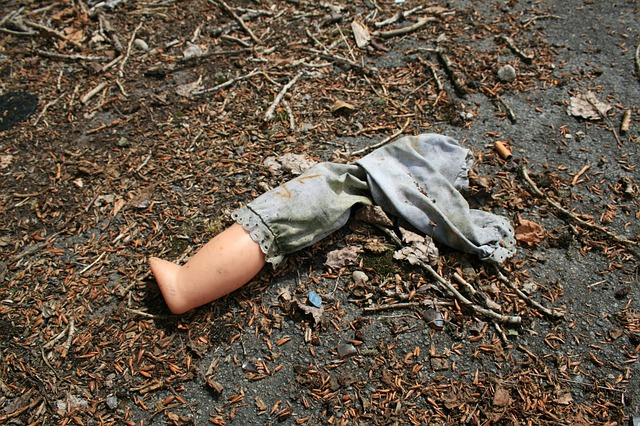 Free leg doll broken decline setting desolat