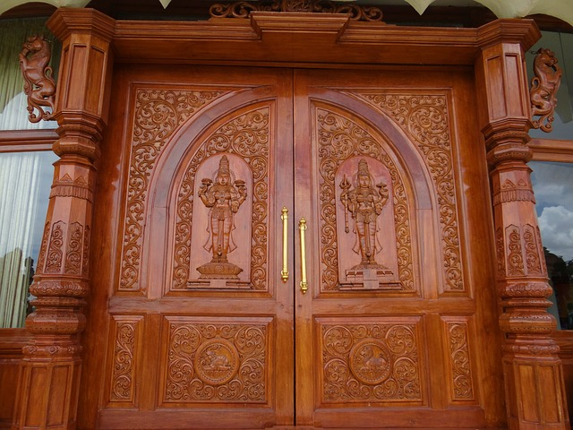 Free ornate door wooden carved art of living