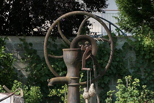 Free pump water former watering garden
